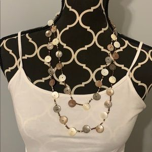NWT Shell Glass necklace